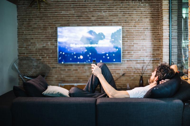 ポケットWiFiでテレビを見るための方法まとめ